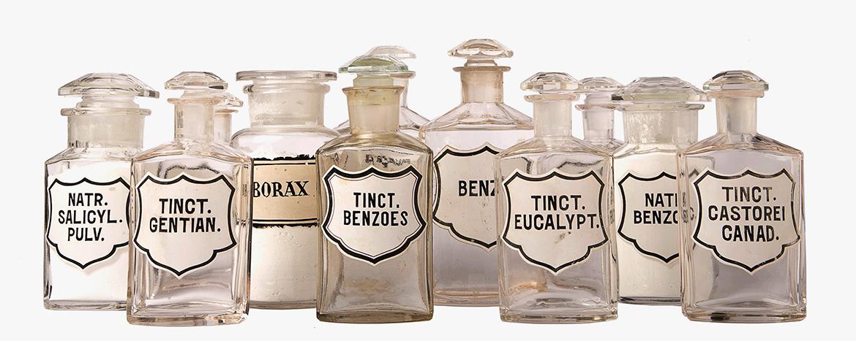 בקבוקי תרופות משנת 1948
